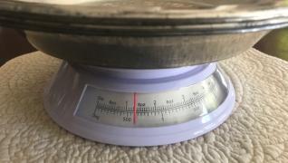 """4 Vintage 9"""" Pie Plates Weight"""