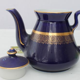 Hall USA cobalt blue teapot with gold banding & strapwork.  vintage