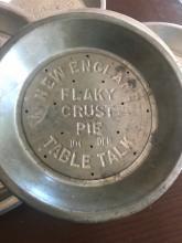 """Vintage Table Top 9"""" Pie Inc Pie Plates"""